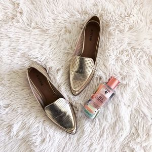 JUSTFAB gold dorota pointed toe later cut loafers